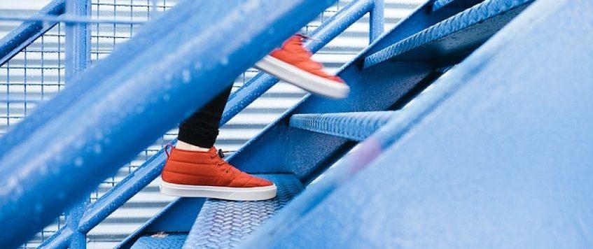 1 truc pour ménager les genoux dans les escaliers