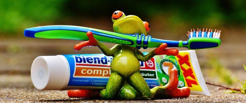 Activer ses jambes en brossant ses dents, ça réveille!